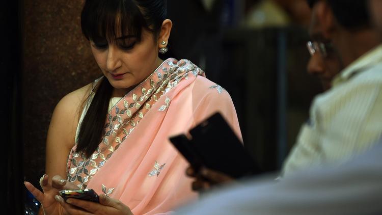 India smartphones LA times1